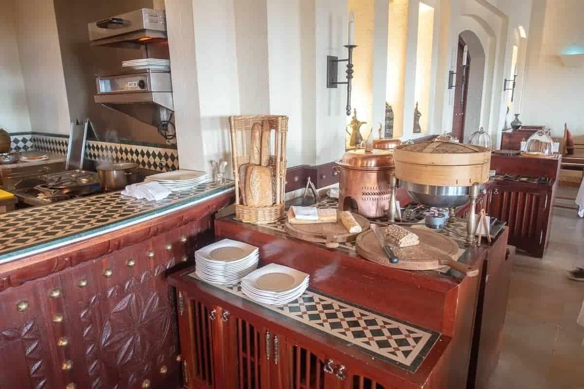 al-maha-restaurant-petit-dejeuner-