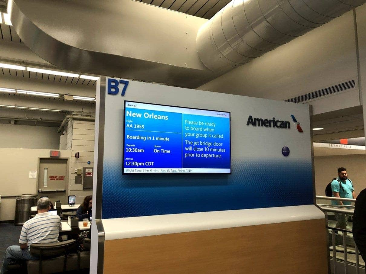 american airlines yul phl msy 21