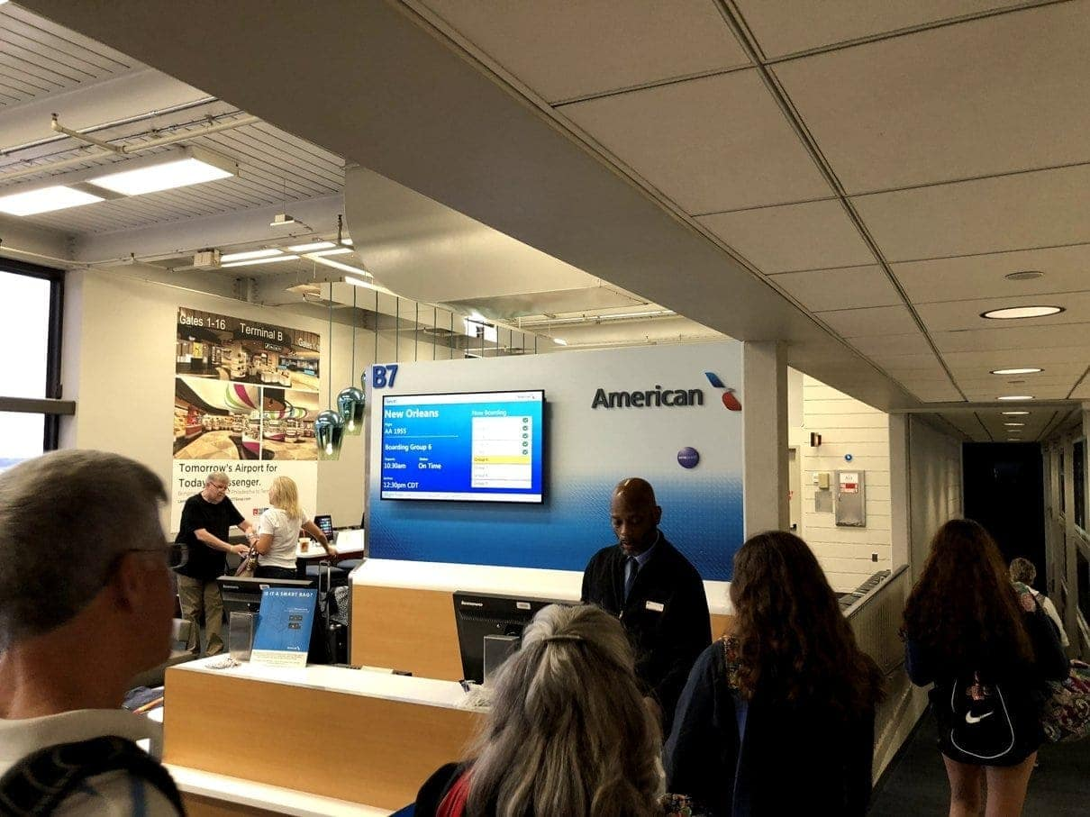 american airlines yul phl msy 22