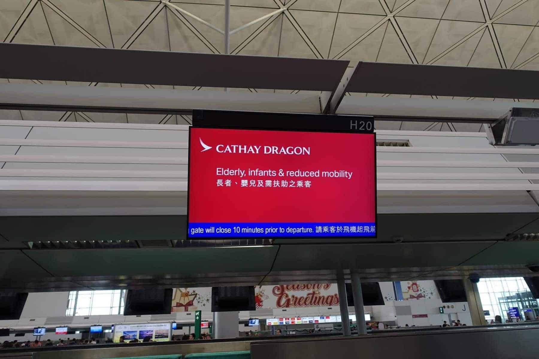 cathay dragon hkg han 07