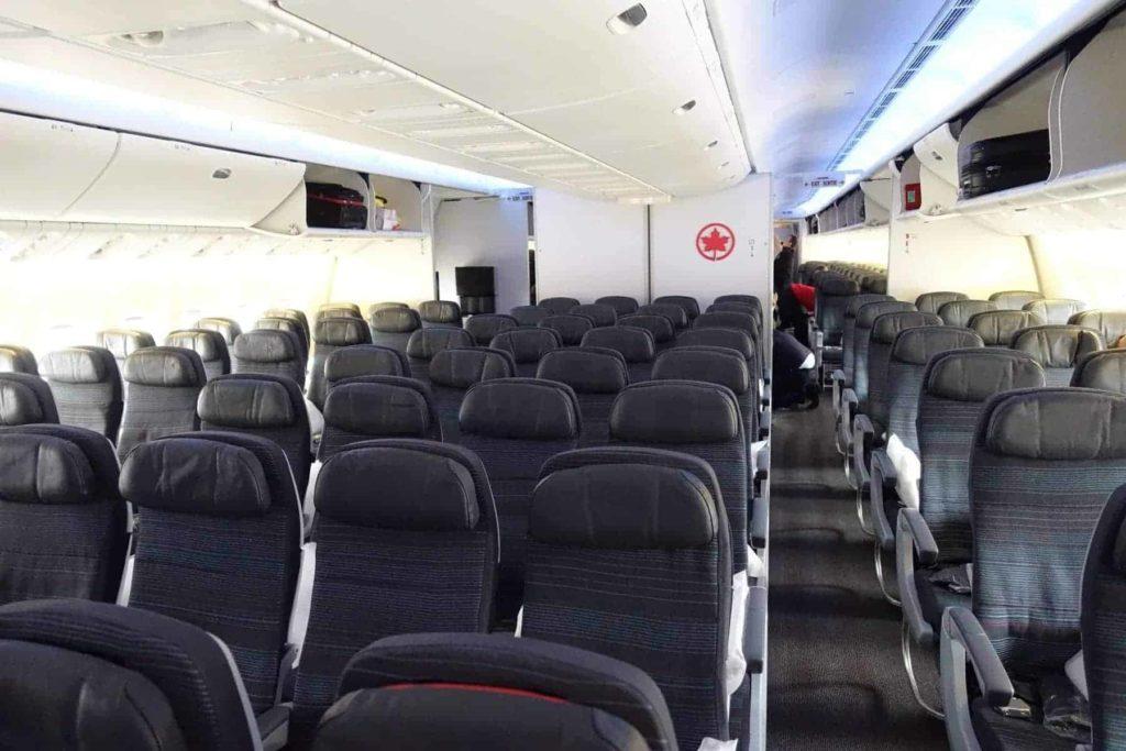 classe économique Boeing Montreal Toronto air canada boeing 787