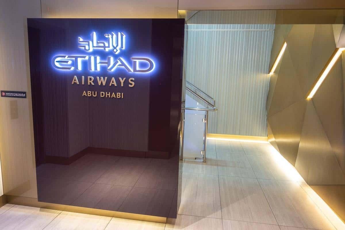 etihad airways first class lounge abu dhabi 02