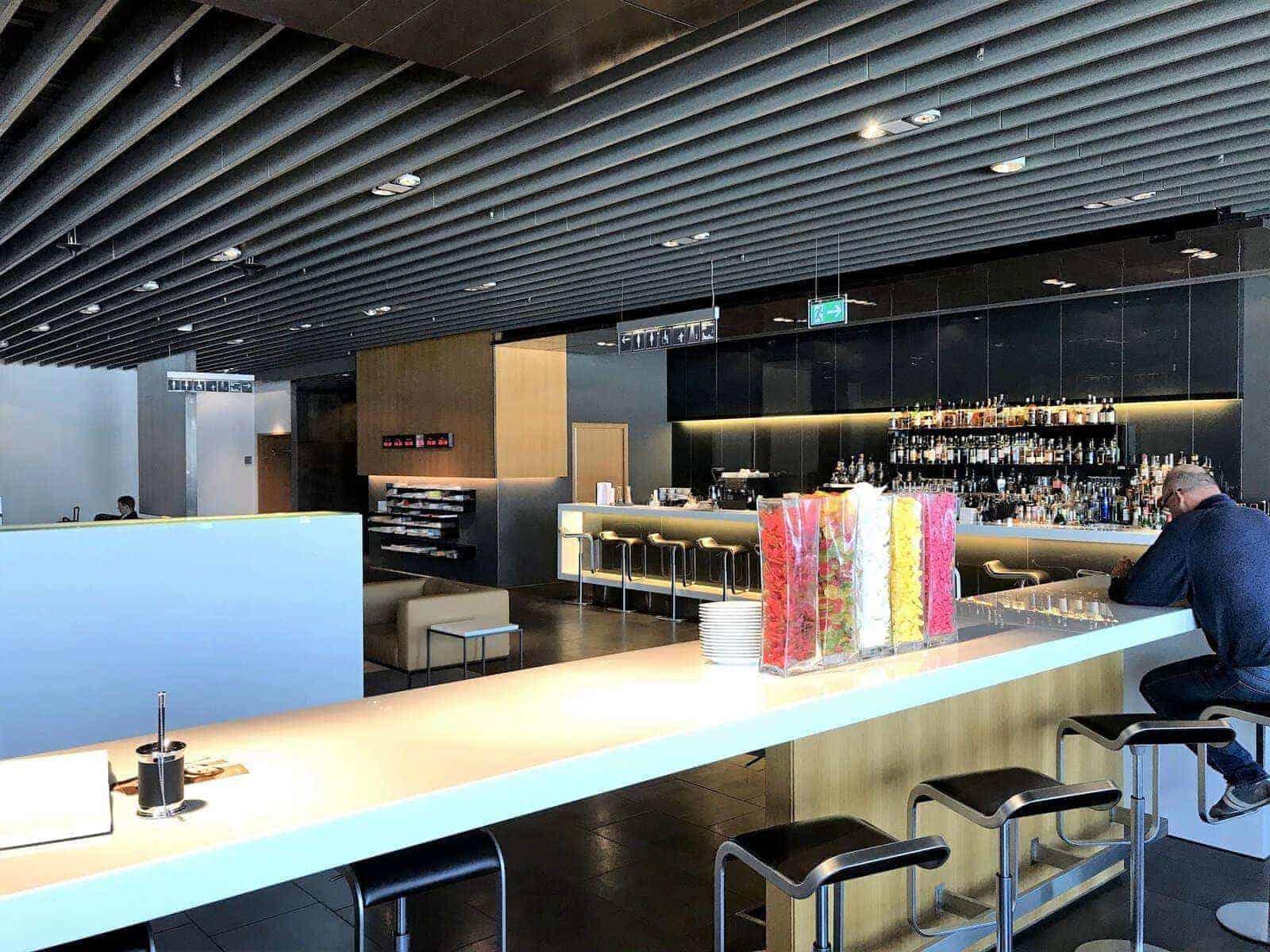lufthansa first class lounge frankfurt 14