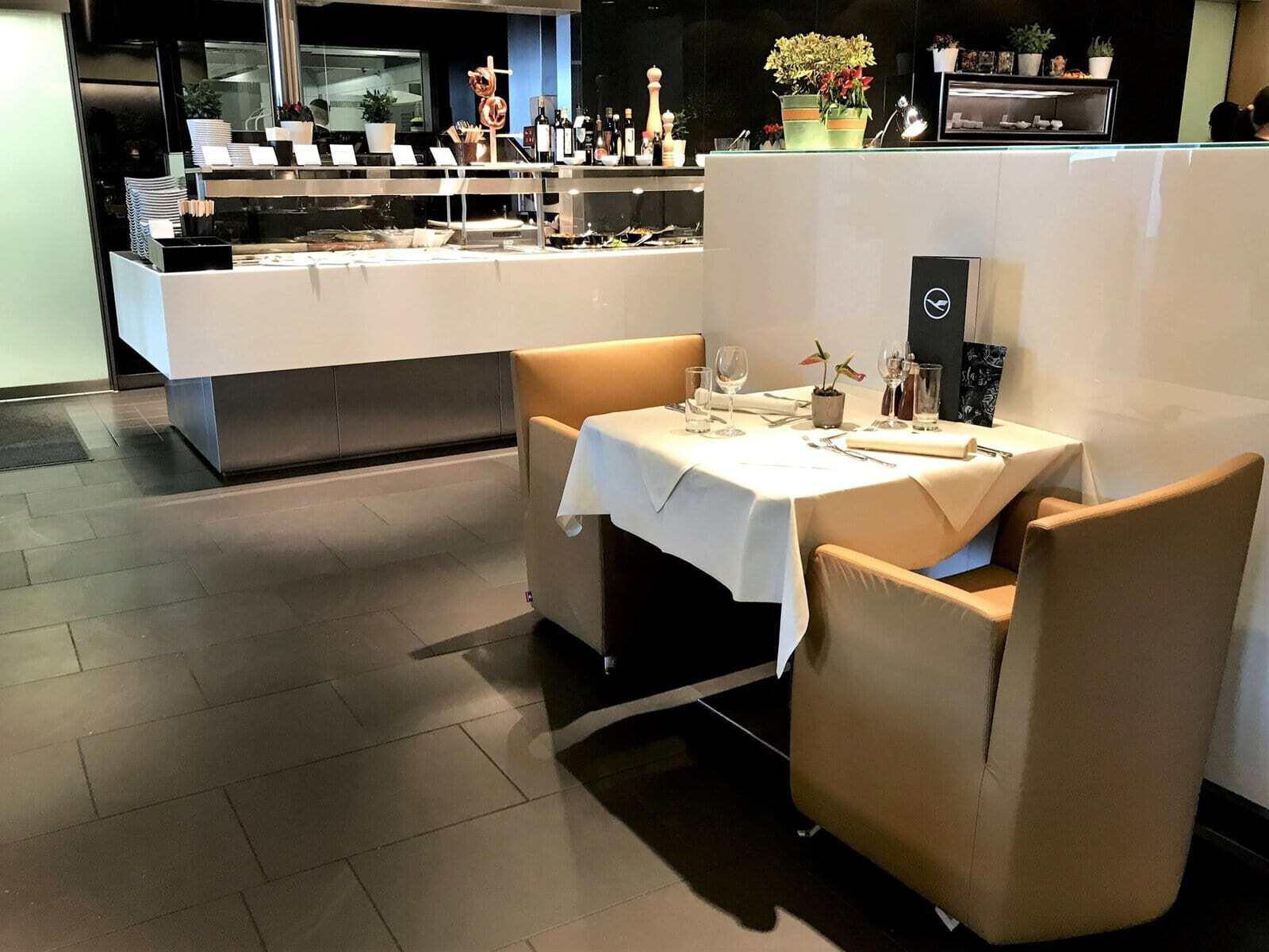 lufthansa first class lounge frankfurt 22