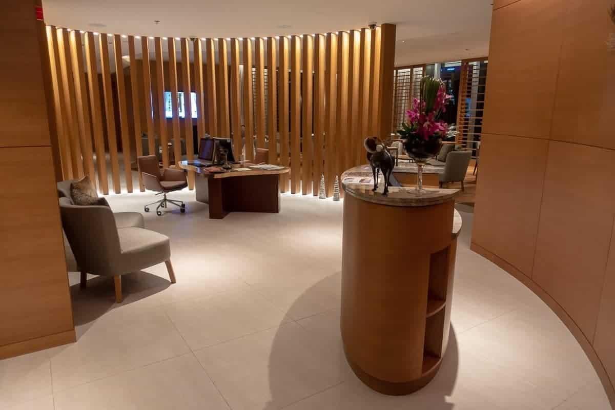 renaissance downtown hotel dubai lounge 02