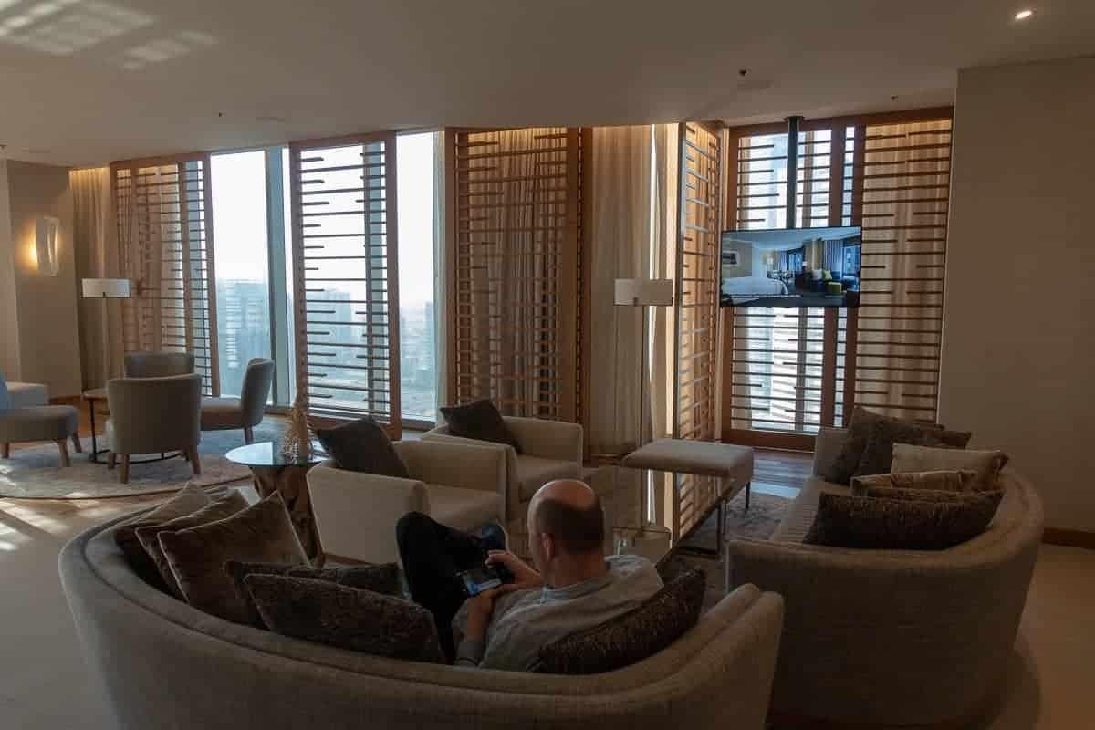 renaissance downtown hotel dubai lounge 07