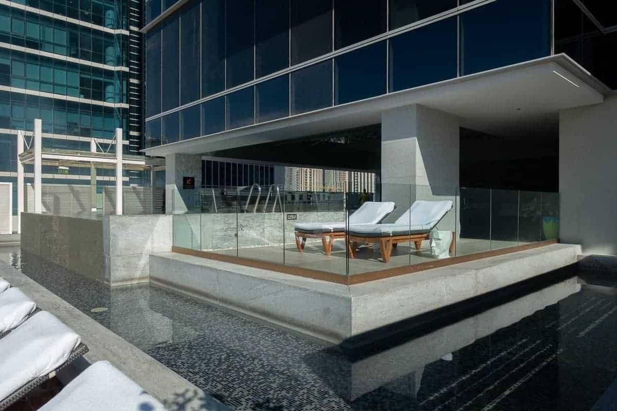 renaissance downtown hotel dubai piscine 01