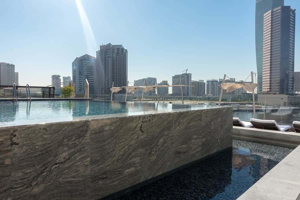 renaissance downtown hotel dubai piscine 03