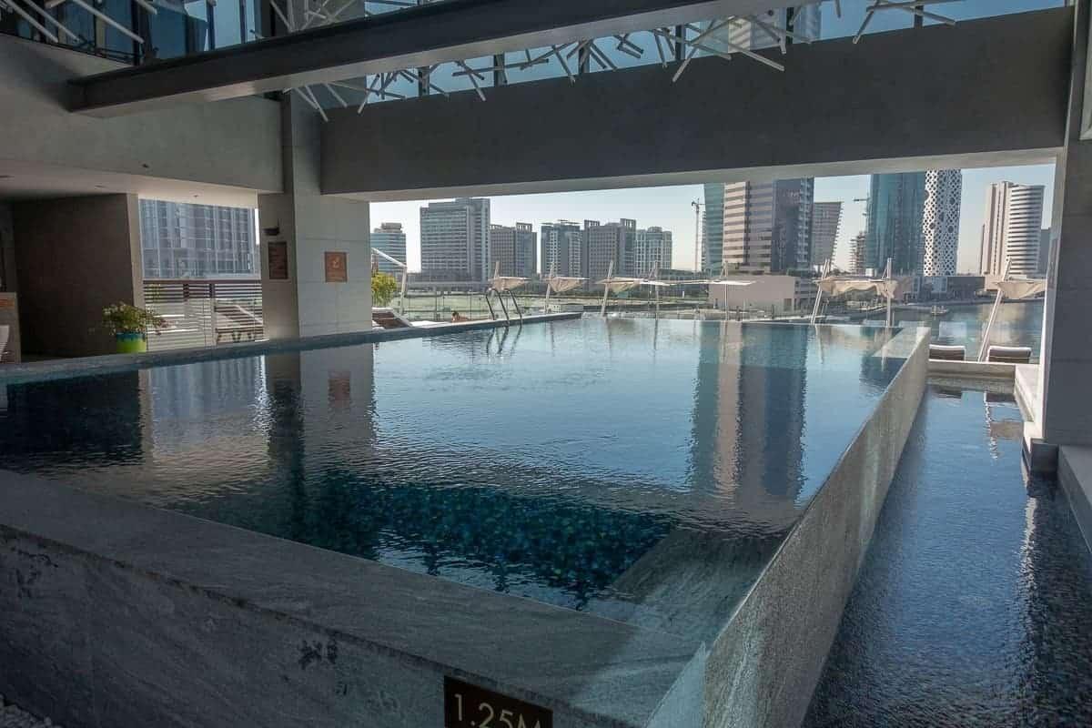 renaissance downtown hotel dubai piscine 04