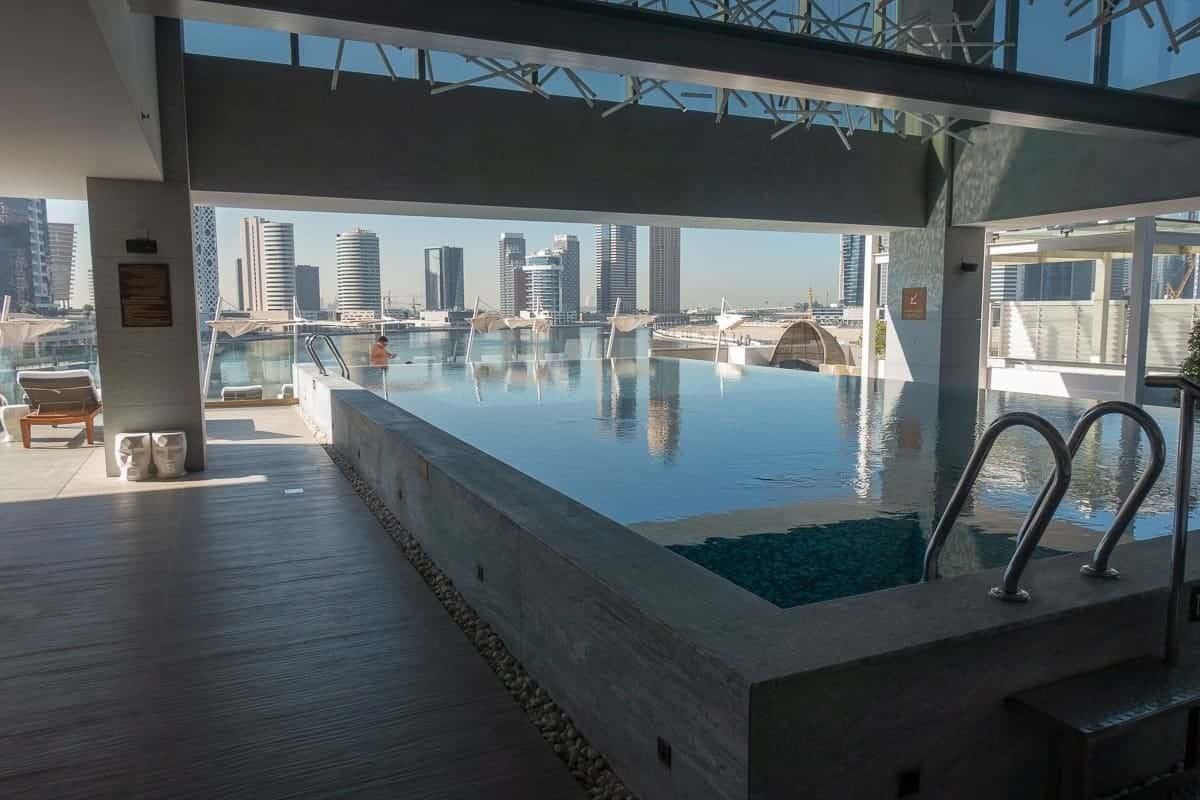 renaissance downtown hotel dubai piscine 06