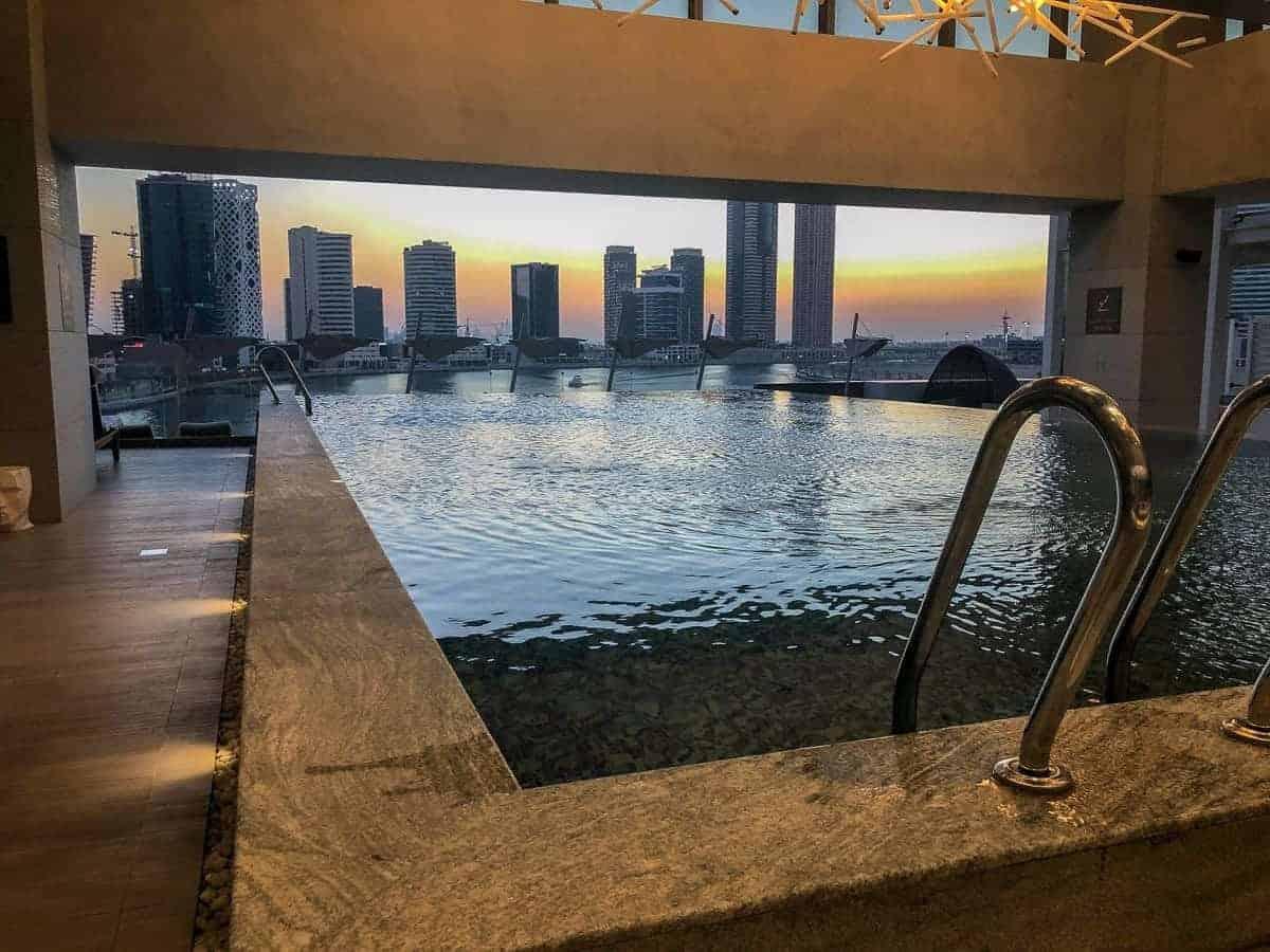 renaissance downtown hotel dubai piscine 08
