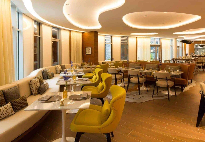 renaissance republique restaurant