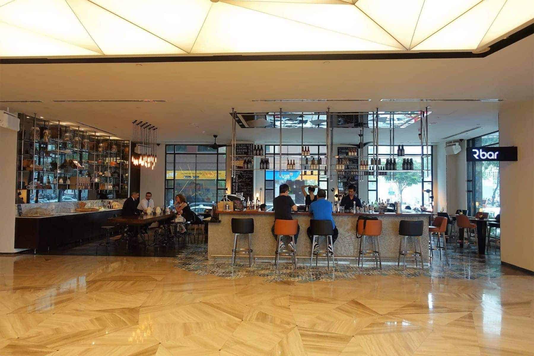 renaissance riverside saigon lobby 11