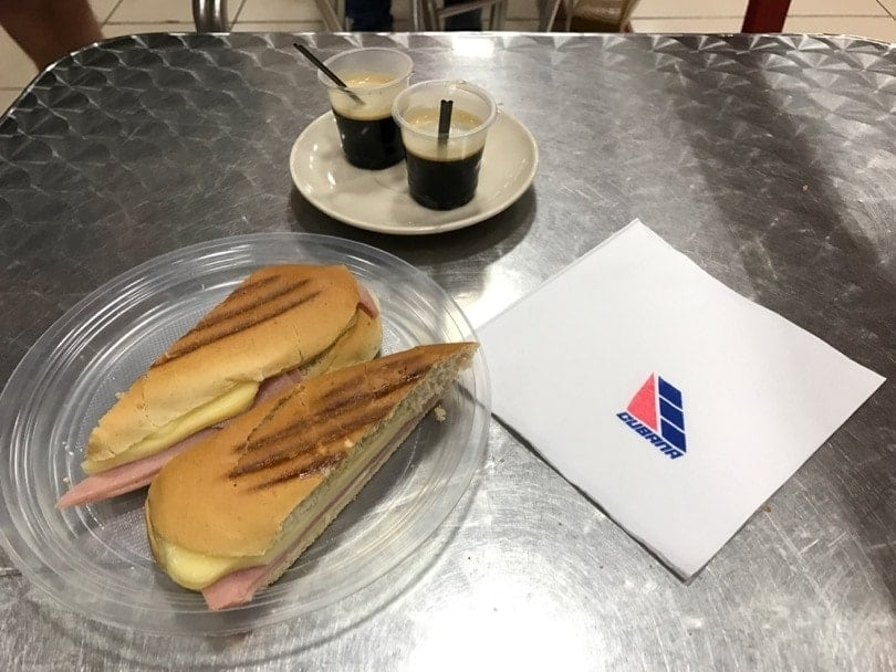 sandwich cubain facon aeroport
