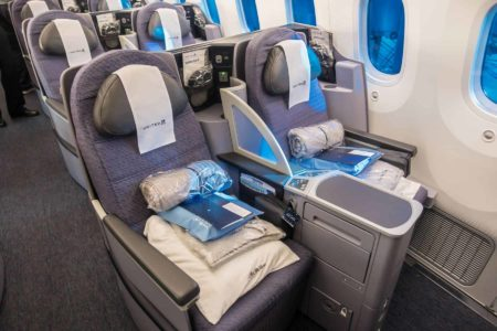 United Airlines Business Class 787 01