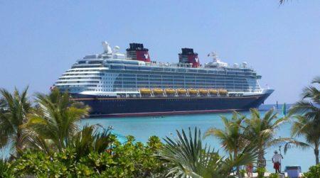 cruise ship 615116
