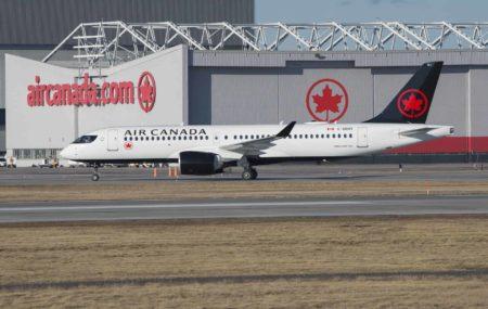 Air Canada A220 300 Montreal Siege